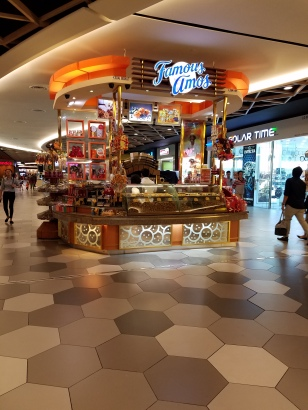 Famous Amos Midvalley